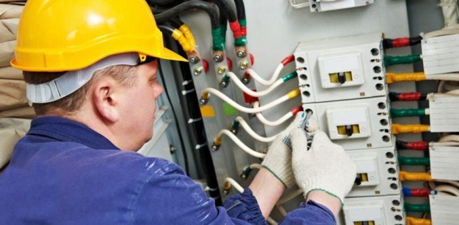 Mentenanță tehnică de specialitate, preventivă și corectivă pentru instalațiile, sistemele,  echipamentele deținute de client.